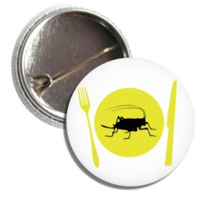 Button CRICKET ON A DINNER PLATE