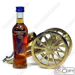 Courvoisier VSOP ( with iron Canon)