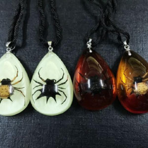 FREE SHIPPING 12 PCS NEW REAL SPINY SPIDER LUCITE PENDANT INSECT JEWELRY TAXIDERMY GIFT